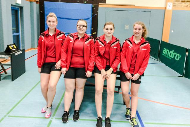 Das Bild zeigt die Landesliga-Mädchenmannschaft v. l.: Anna Bauser, Leonie Wilhelm, Kim Metzger und Mia Kümmerer